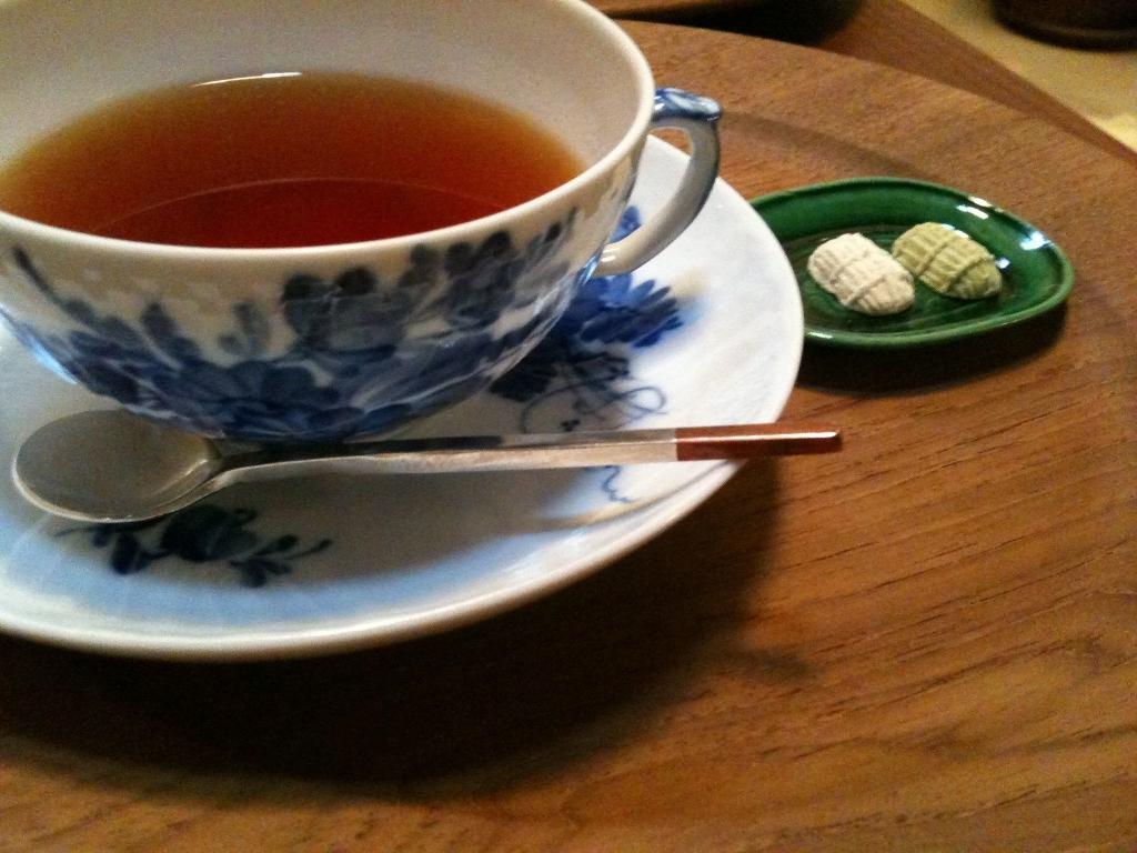 Herbata bergamotowa: jak może pomóc obniżyć poziom wysokiego cholesterolu i wysokiego ciśnienia krwi